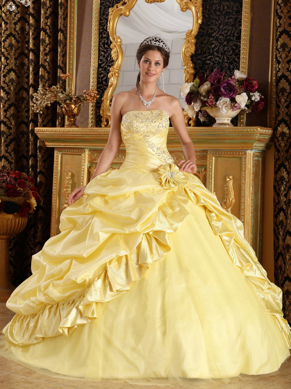 Pick-ups Quinceanera Dresses
