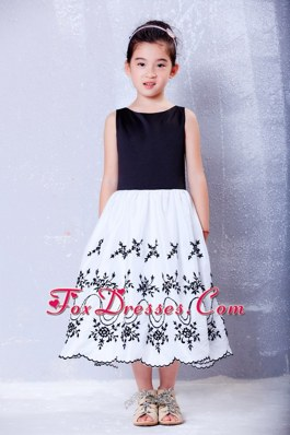 White and Black A-line Scoop Embroidery Little Girl Dress