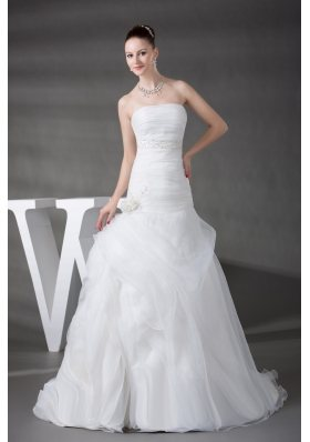 A-line Pick-ups Ruching Appliques Strapless Wedding Dress
