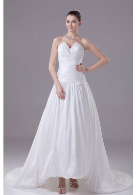 Appliques A-line / Princess Wedding Dress With Pleats Court Train