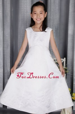 2013 Simple Embriodery little girl dress Princess Square Long