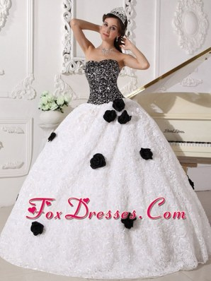 Sweetheart Quinceanera Dress In Black And White With Flowers