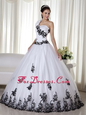 One Shoulder White Organza Embroidery Quinceanera Dress