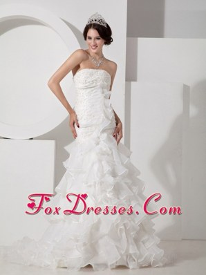 Luxurious Mermaid Strapless Layered Organza Wedding Dress