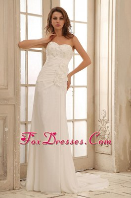 2013 Sweetheart Beach Wedding Dress Ruched Bodice Applqiues