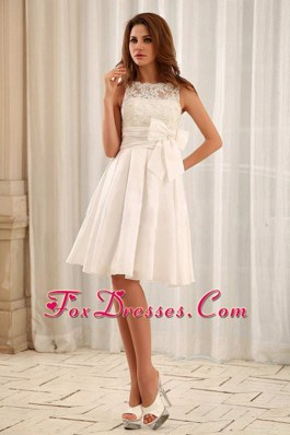 2013 Sweet Bateau Short Wedding Gowns With Lace Sash