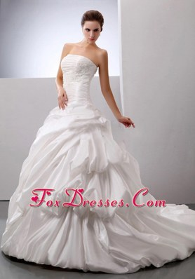 2013 Luxurious Wedding Gowns Pick-ups Appliques Bust