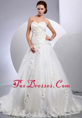 A-line Ruch Sweetheart 2013 Wedding Gowns Appliques