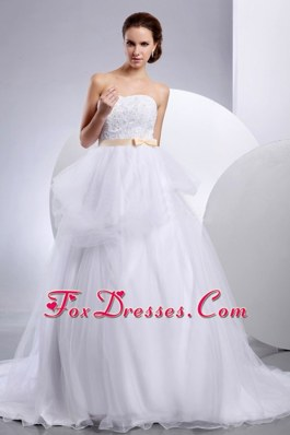 2013 Pretty Strapless Wedding Gowns With Champagne Sash