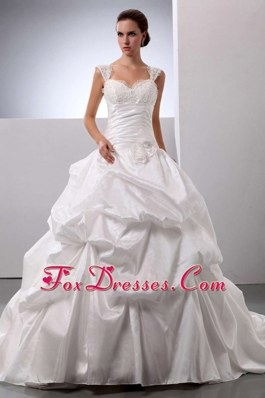 Discount White Pick-ups Wedding Dress with Straps