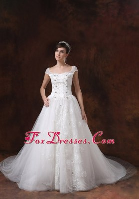 A-line Square 2013 Wedding Dress With Appliques Decorate