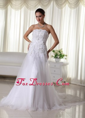 Strapless Chapel 2013 Lovely A-line Wedding Gown with Lace