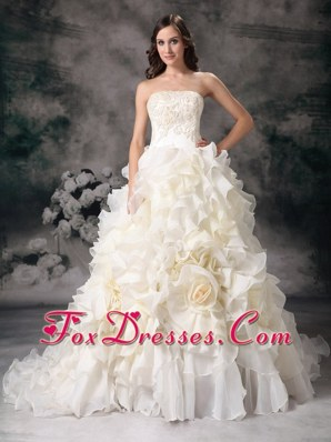 Bridal Dress 2013 Beautiful Organza Hand Made With Ruffles