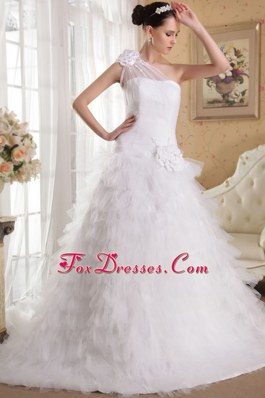 Chapel Ruffles and Hand Made 2013 Wedding Dress One Shoulder