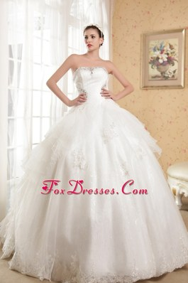 Appliques With Beading 2013 Wedding Dress A-line Chapel