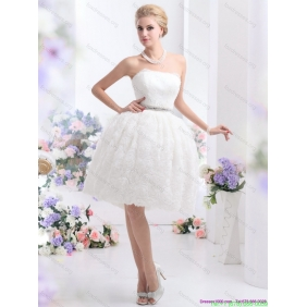Elegant Strapless Wedding Dress with Knee-length