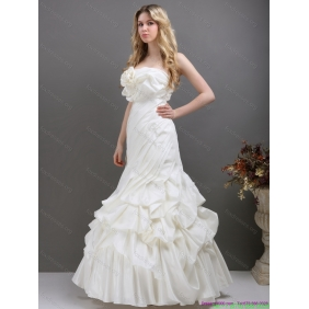 New Arrival White Strapless Wedding Dresses with Ruffles and Pick Ups