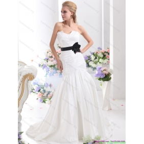 New Arrival Sweetheart 2015 Wedding Dress with Ruching and Sash
