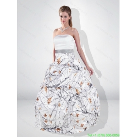 Popular Ball Gown Strapless Camo Wedding Dresses with Belt