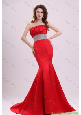 2016 Sexy Strapless Mermaid Beading Brush Train Prom Dress in Red