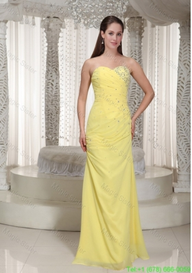 2016 Sweetheart Yellow Chiffon Prom Dress with Beading and Ruching