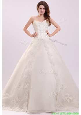 Sweetheart Ball Gown Appliques Decorate Wedding Dress with Train