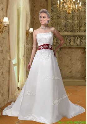 2016 White Embroidery Clasp Handle Wedding Dresses with Chapel Train