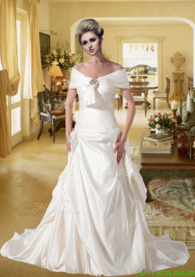 New Arrival Sweetheart A Line Court Train Wedding Dresses with Beading