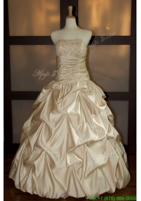2016 Summer New Style Ball Gown Strapless Wedding Dresses with Beading and Pick Ups