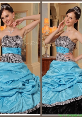 2016 Beautiful Ruffles Strapless Quinceanera Gowns in Blue and Black