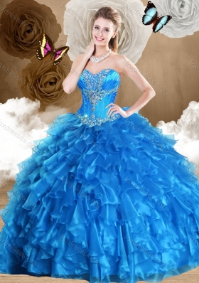 2016 Pretty Ball Gown Sweetheart Quinceanera Dresses with Beading and Ruffles