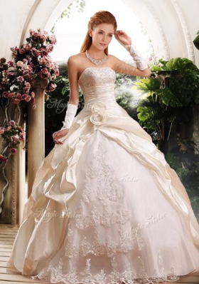 2016 Fashionable Ball Gown Strapless Wedding Dresses with Appliques