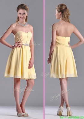 Modest Empire Chiffon Yellow Short Bridesmaid Dress with Beading