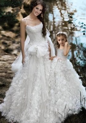 Most Popular Spaghetti Straps Wedding Dresses with Ruffles and Beautiful Straps Flower Girl Dress with Bowknot