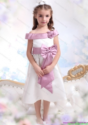 New Arrival Off The Shoulder White Flower Girl Dresses with Bowknot
