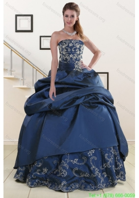 2015 Cheap Embroidery and Beaded Quinceanera Dresses in Navy Blue