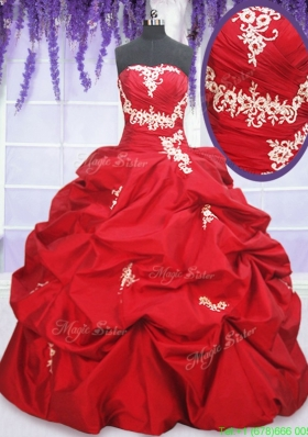 2017 Romantic Puffy Skirt Red Sweet 15 Dress with Appliques and Pick Ups