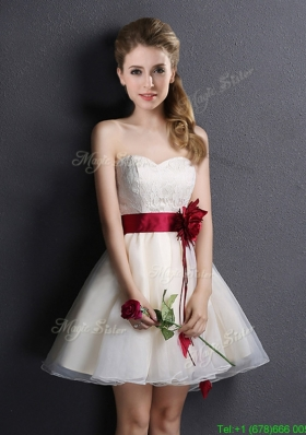 2017 Pretty Sweetheart Short Prom Dress with Handmade Flower and Lace