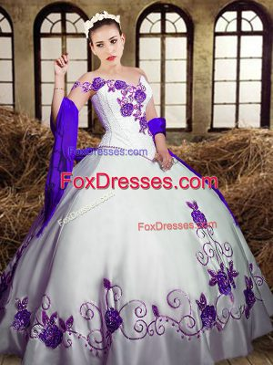 Elegant Sweetheart Sleeveless Taffeta Ball Gown Prom Dress Embroidery Lace Up