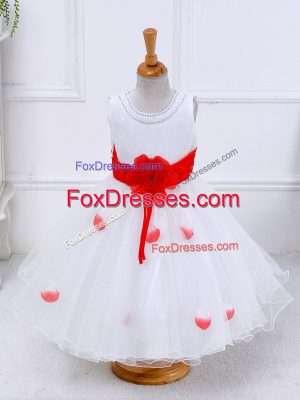 Low Price White Party Dress for Toddlers Wedding Party with Hand Made Flower Scoop Sleeveless Lace Up