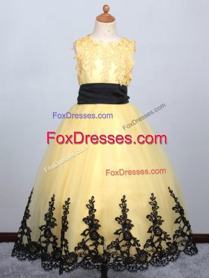 Appliques Flower Girl Dress Yellow Lace Up Sleeveless Floor Length