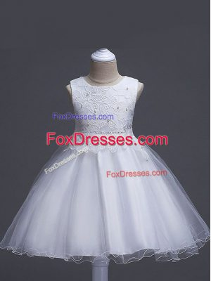 Cute Knee Length Zipper Juniors Party Dress White for Wedding Party with Lace