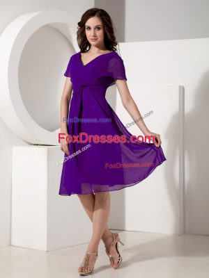 Purple Empire V-neck Short Sleeves Chiffon Knee Length Zipper Ruching Mother of Groom Dress