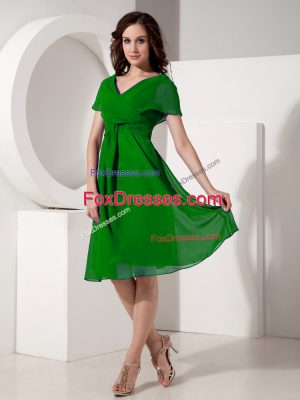 Noble Green Short Sleeves Knee Length Ruching Zipper Mother Dresses