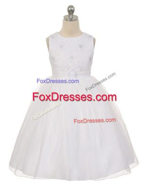 White Tulle Lace Up Scoop Sleeveless Knee Length Kids Pageant Dress Beading