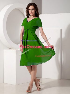 Green Chiffon Zipper V-neck Short Sleeves Knee Length Mother of Bride Dresses Ruching