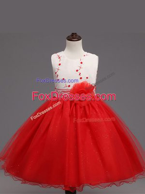 Knee Length Red Custom Made Organza Sleeveless Appliques and Hand Made Flower
