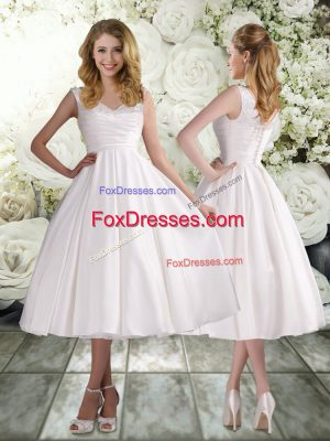 Sleeveless Tea Length Appliques Lace Up Wedding Gown with White
