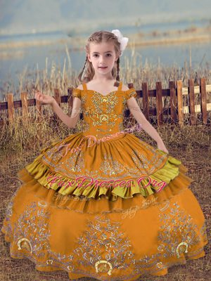 Modern Brown Ball Gowns Off The Shoulder Sleeveless Satin Floor Length Lace Up Beading and Embroidery Child Pageant Dress