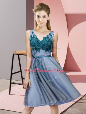 Unique Tulle V-neck Sleeveless Lace Up Appliques Quinceanera Court of Honor Dress in Blue
